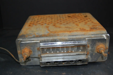 1950's -1960's in dash car radio, tube radio/ vintage car radio 1951 51 Ford