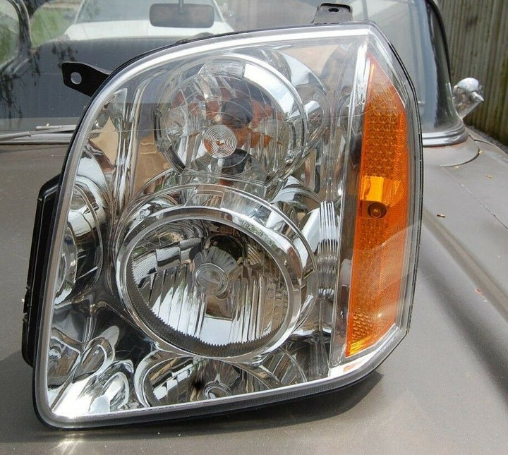 07-08 GMC Yukon Driver LH Side Headlight Assembly Lamp Lens Factory 15904465 OEM