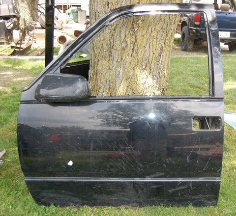 98 GMC Driver Left Hand Side Front Door Electric Full Size Also Fits 95-02 Chevy