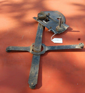 1985 Chevy Silverado Right Passenger Side Window Regulator Assembly GMC