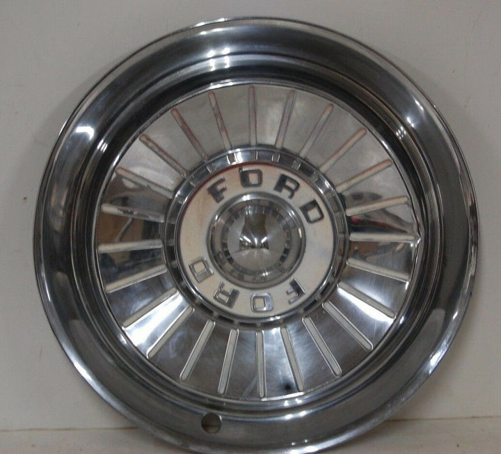 1957 57 FORD FAIRLANE THUNDERBIRD HUBCAP WHEEL COVER CENTER CAP VINTAGE OEM
