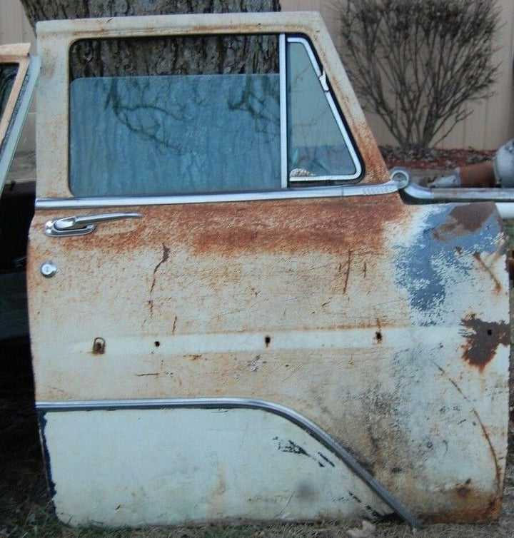 1956 PLYMOUTH SAVOY BELVEDERE  OEM RIGHT FRONT DOOR WHOLE DOOR VINTAGE PARTS