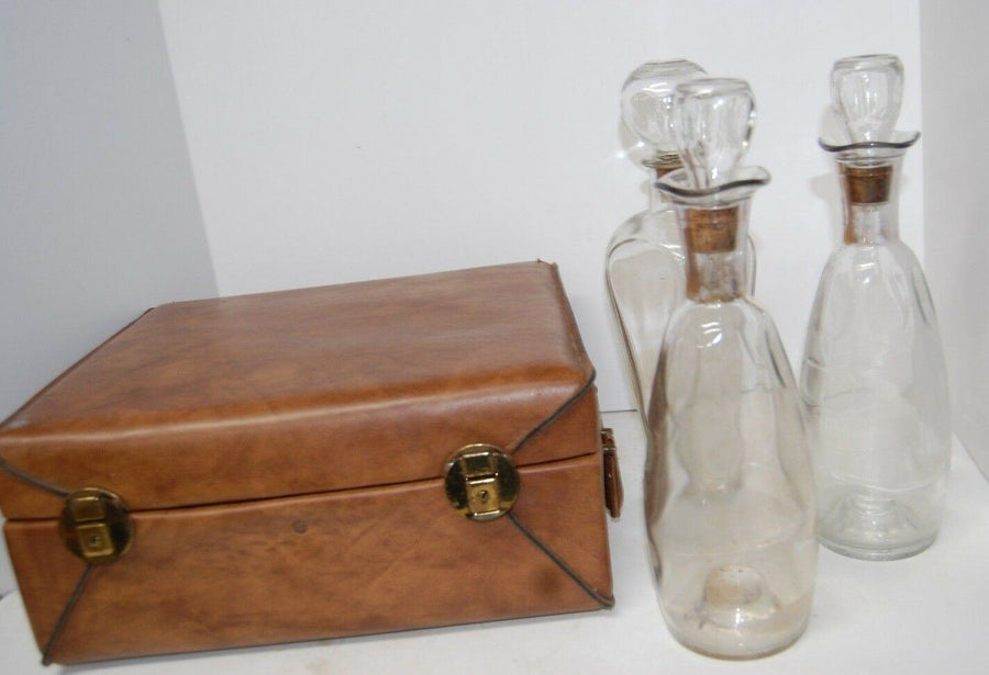 SET OF 3 VINTAGE DECANTERS TRAVEL KIT WITH ACCESSORIES IN CARRY CASE SCOTCH