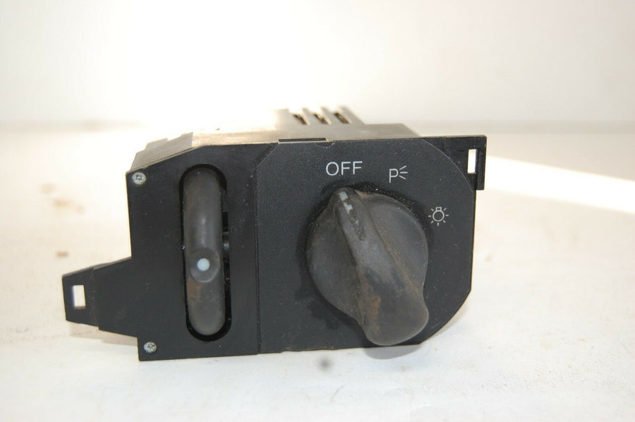 1995-2000 MONTE CARLO HEADLIGHT SWITCH HEAD LIGHT LAMP CONTROL 10098823 CHEVY