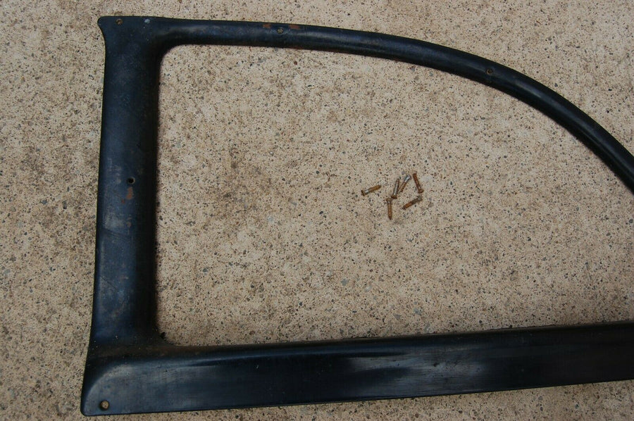 56 PLYMOUTH BELVEDERE (2-DOOR) RIGHT REAR BACK WINDOW GARNISH MOLDING FRAME 1956