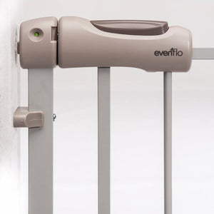 EVENFLO SECURE STEP TOP OF STAIRS BABY SAFETY GATE PET FENCE BABY GATE