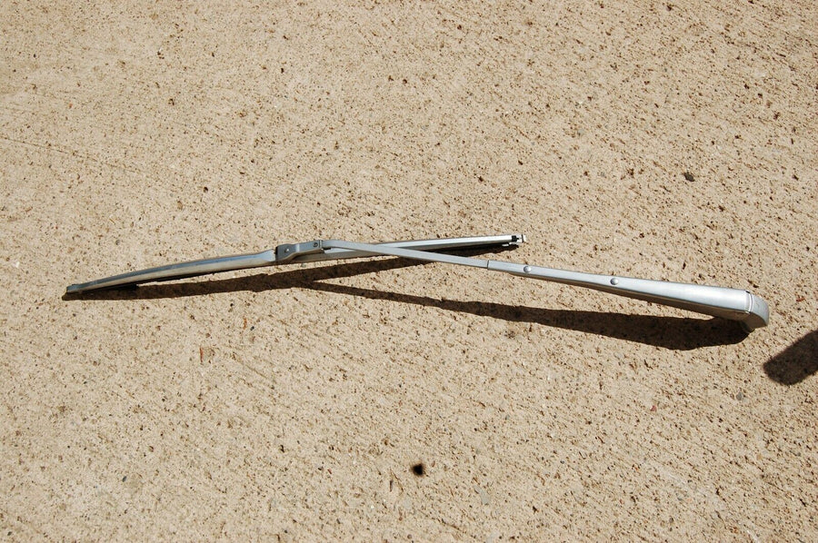 1968 FORD TORINO WINDSHIELD WIPER ARM ASSEMBLY 1969 FAIRLANE MONTEGO