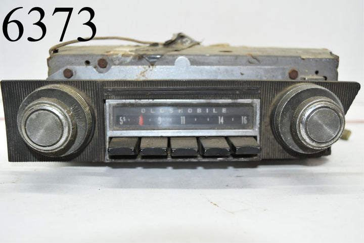 Vintage Oldsmobile Delco Radio 7289350 not tested