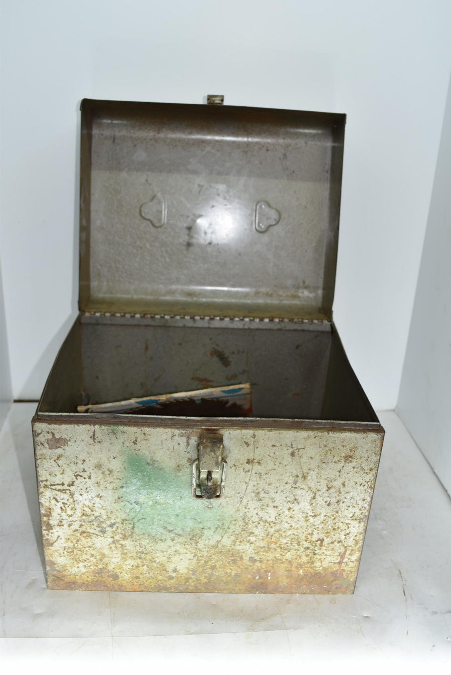 Vintage Metal Parsons Co Saw Box With Blades + Latch Man Cave