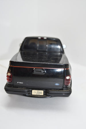 ERTL American Muscle 2000 Ford F-150 Harley Davidson Model Truck