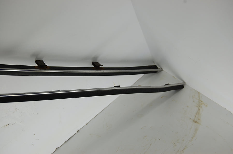 1963 2-door Pontiac Catalina Front Windows Molding and Seal