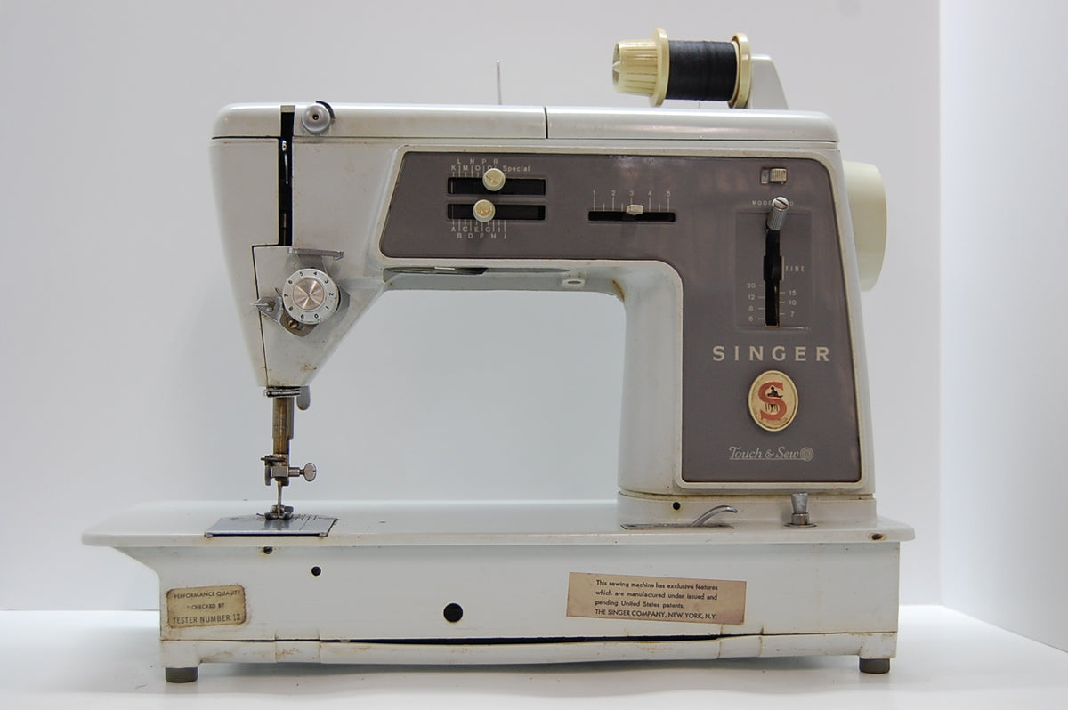Vintage Singer Sewing Machine Antique Craft Collectible 1960 60's UNTESTED