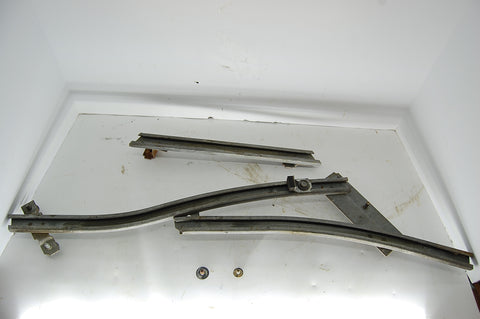 Right Rear Quarter Window Tracks 1963 Pontiac Catalina Guide 1964 2 Door Grand