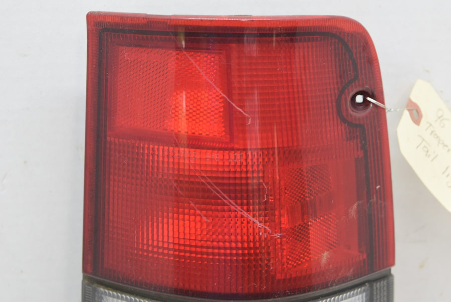 1992 1999 Isuzu Trooper LH Tail Light Right Driver