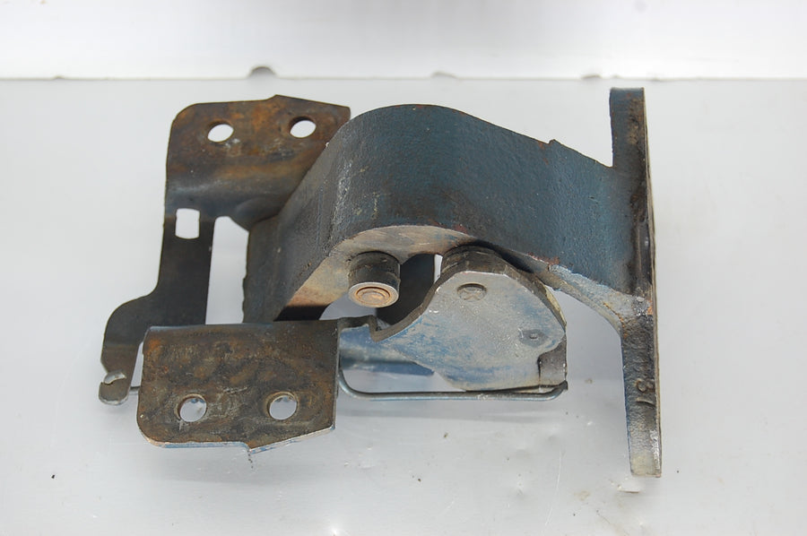 1961-1964 Buick Chevy Olds Pontiac Right Front Lower Bottom Door Hinge