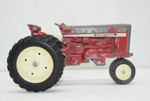 1969 ERTL International Harvester Tractor Diecast Farm Toys Vintage IH Collector