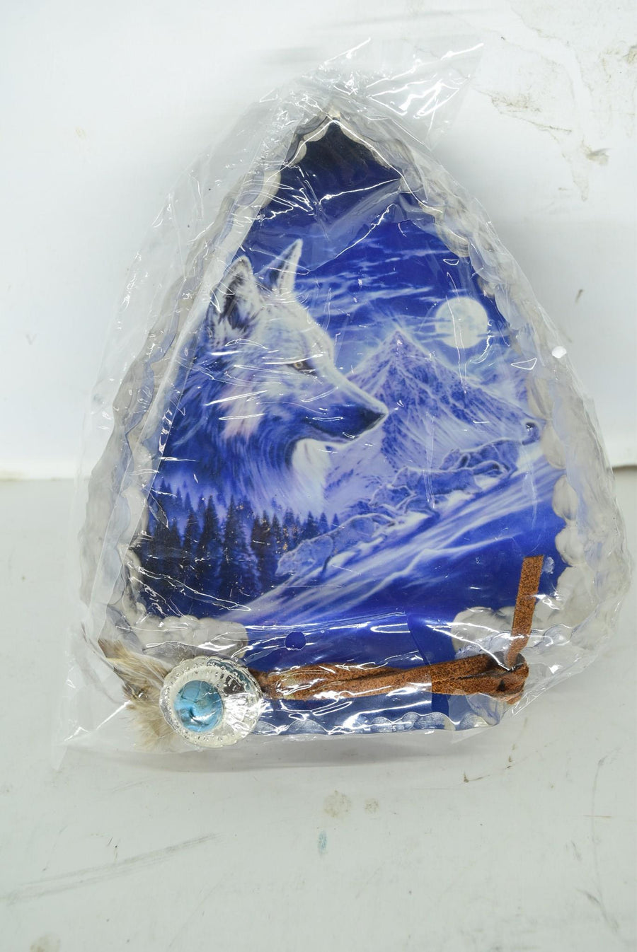 Moonlit Run Mystic Wolf Arrowhead The Hamilton Collection Collectible Sculpture