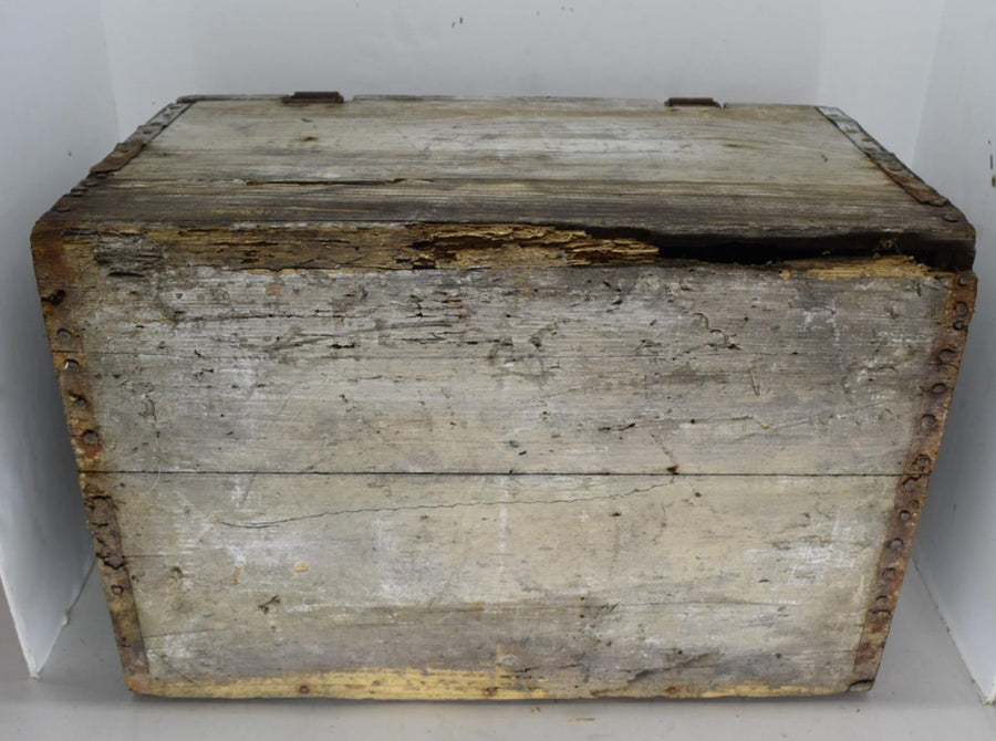 1920's Blatz Brewing Co Wooden Crate with Hinged Lid and Clasp