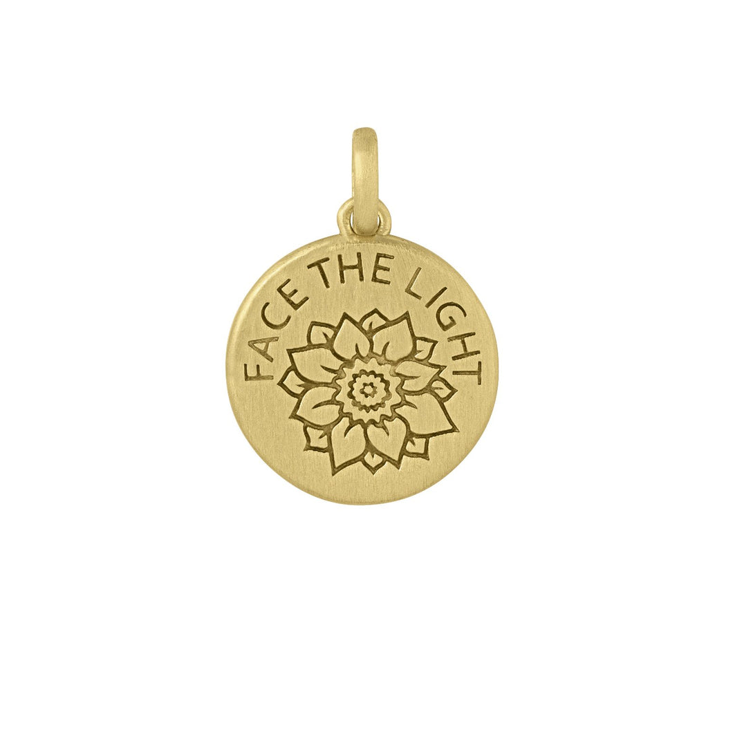 Face The Light pendant - gold