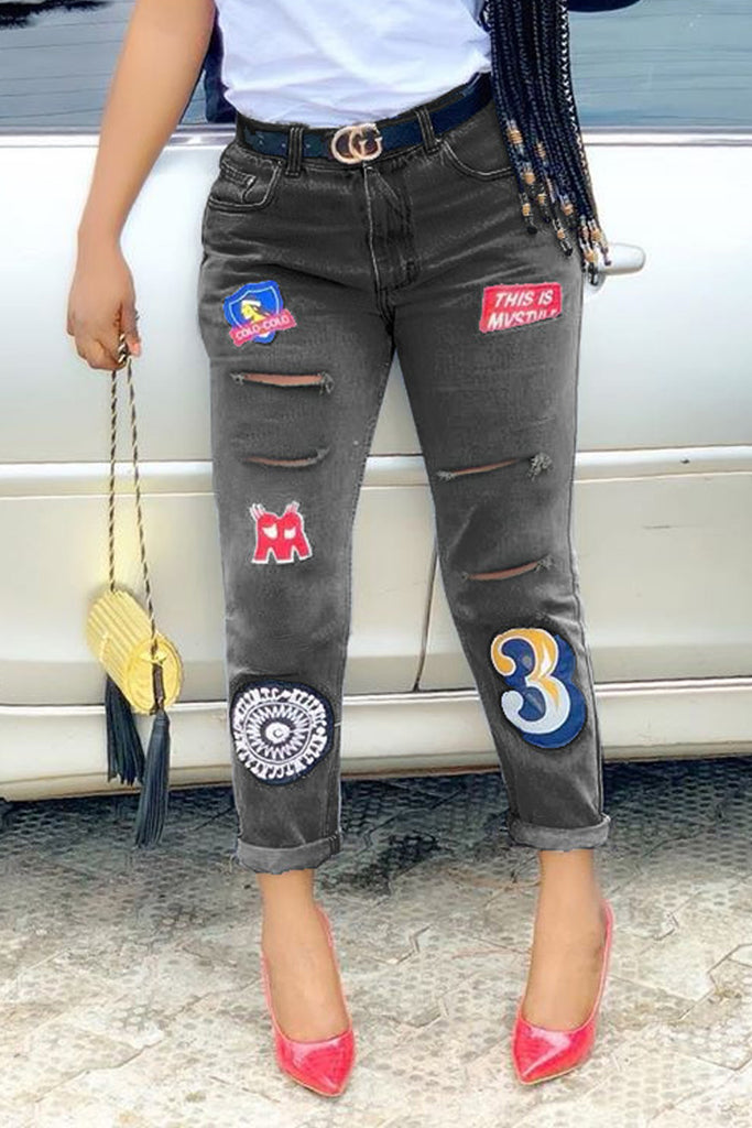 Embroidered Distressed Jeans Without Belt
