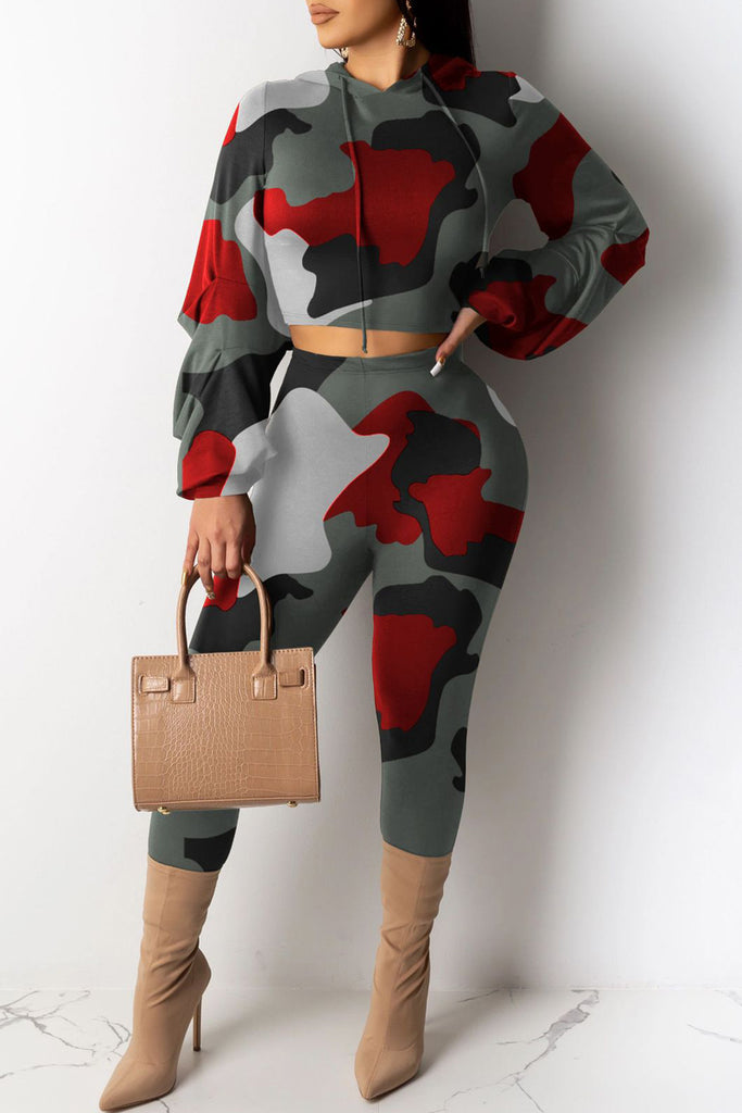 Hooded Collar Camouflage Printed Two Piece Sets