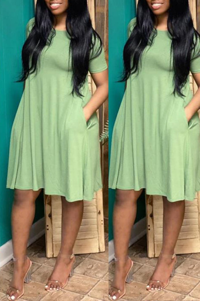 Plus Size Solid Color Ruffled Mini Dress