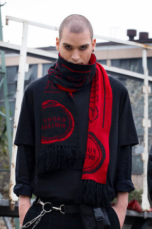 BLACK AND RED FURORA SCARF