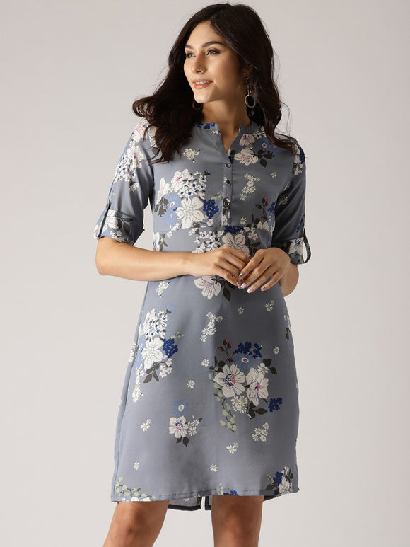 Signature Kesavi floral shift dress