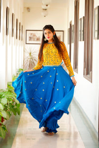 Signature Kesavi Women Blue and Yellow Gown