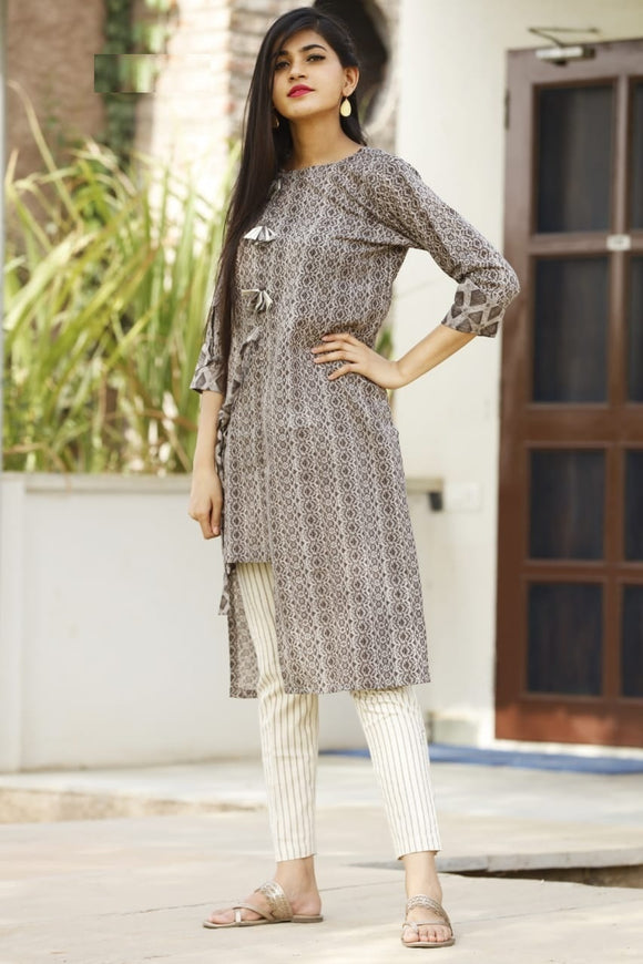 Signature Kesavi Women Casual Wear kurti