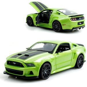 Boss 302 Mustang Green 1:24 Model Collectible