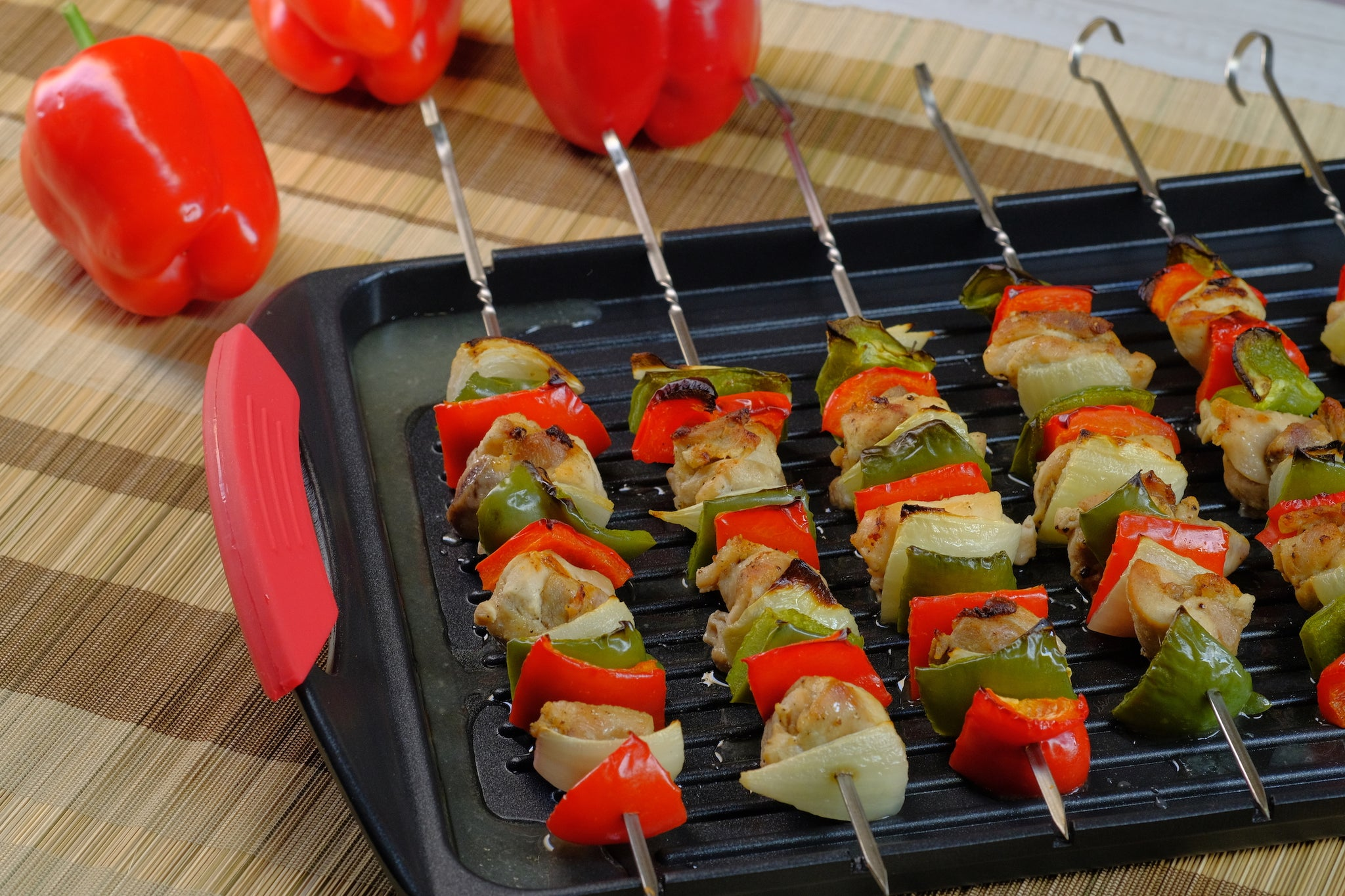 Griddle Me This - Cast Aluminium Griddle Plate with Stainless Steel Skewers