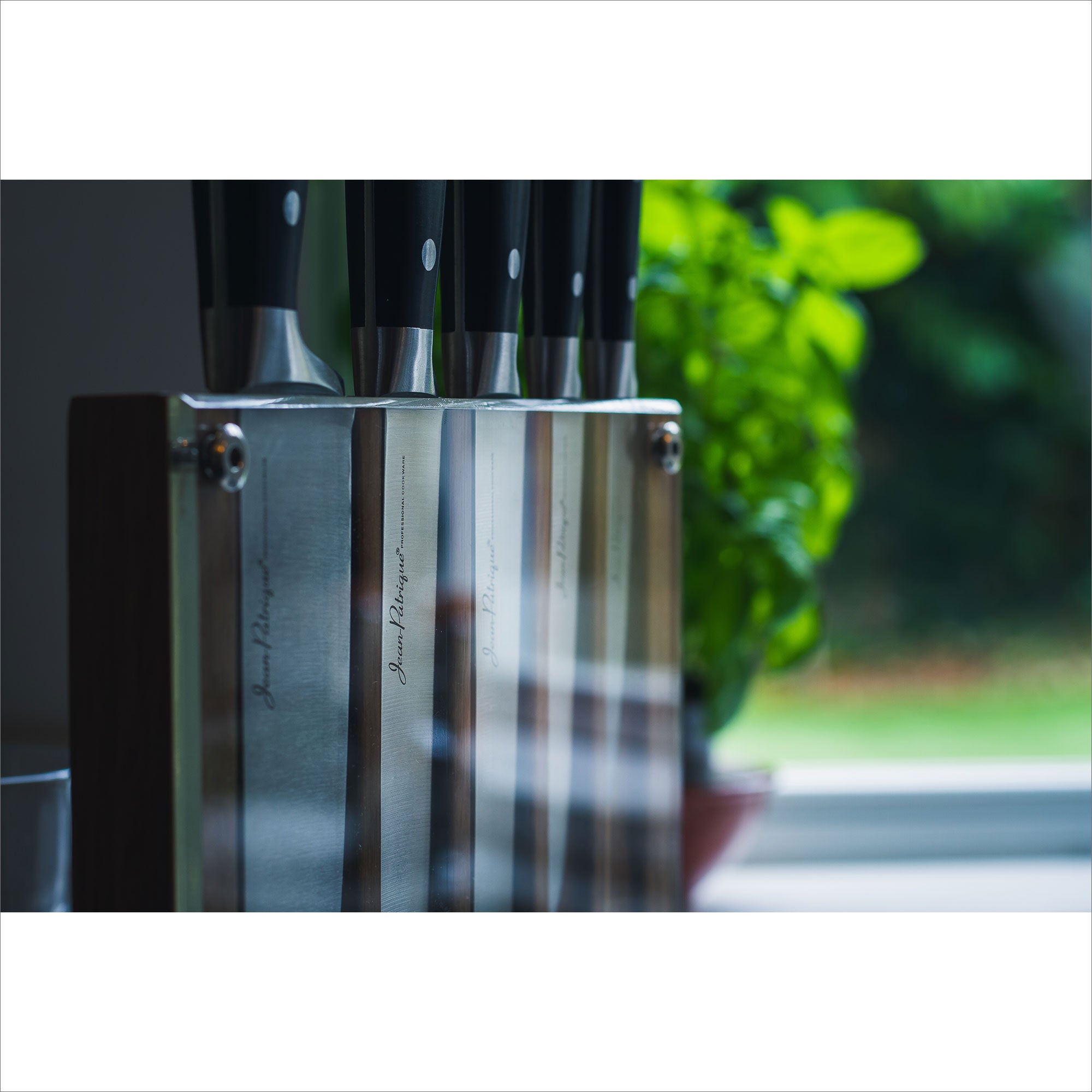 Onyx Collection 5 Piece Knife Set with Acrylic Block