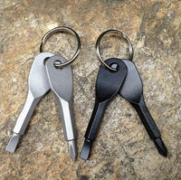 POCKET MINI SCREWDRIVER SET KEY RING WITH SLOTTED PHILLIPS HAND KEY PENDANTS.