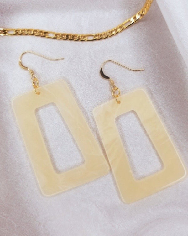 Addie Vanilla Earrings
