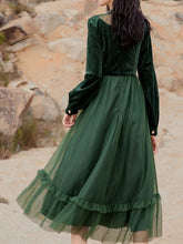 Load image into Gallery viewer, Emeral Green Semi Sheer Long Sleeve 1950S Velvet Vintage Dress