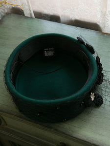 Dark Green 1950S Pillbox Hat With Tulle