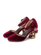 Load image into Gallery viewer, Luxury Velvet Shoes Women Round Toe Gold Metallic Fretwork Floral Heels