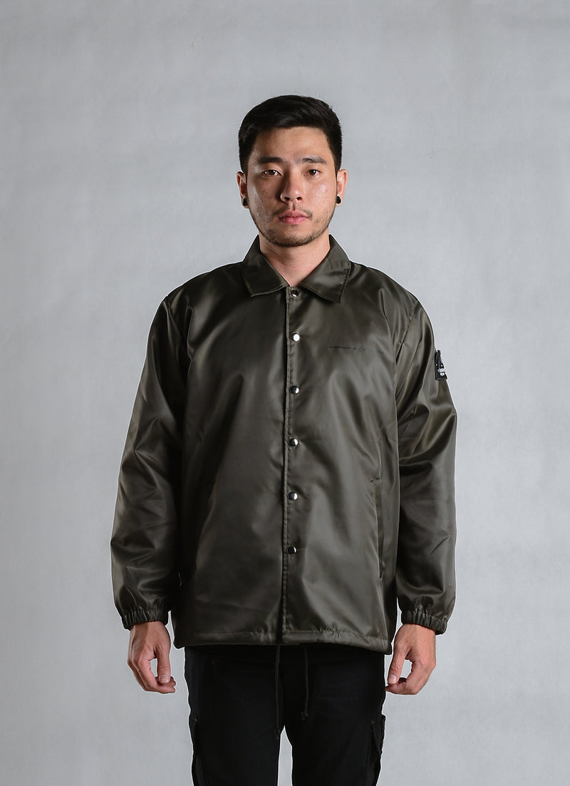 W.ESSENTIELS x Jackhammer Granata Windbreaker Military Green