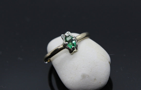 Handmade Gold and Emerald ring. Emerald ring. Engagement ring. Gold ring. Wedding ring. Unique ring. Custom ring. Handmade Ring - Sam Hawkins