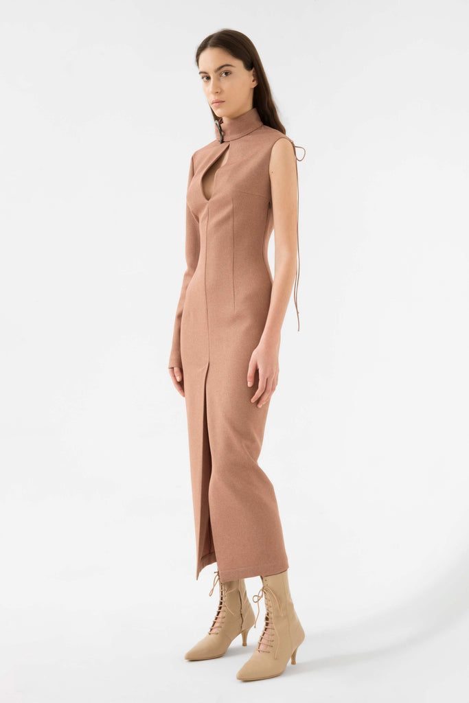 single sleeve dress w/back detail - Materiel