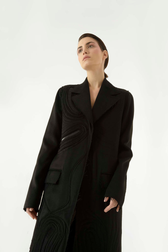Embroidered belted coat - Materiel