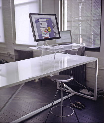 medium giraffe desk