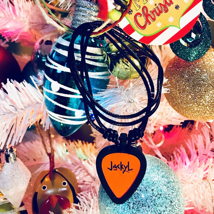 JACKYL GUITAR PICK NECKLACE