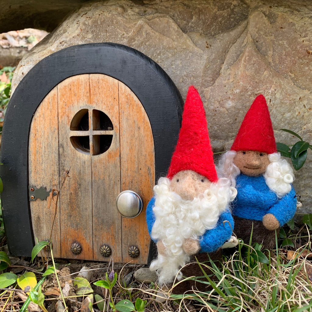 Classic Gnome Couple