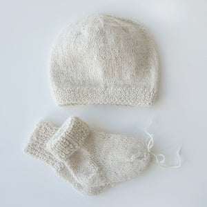 Set Newborn Hat and Socks - Off white