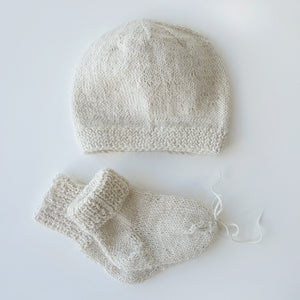 Set Newborn Blanket, Hat and Socks - Off white