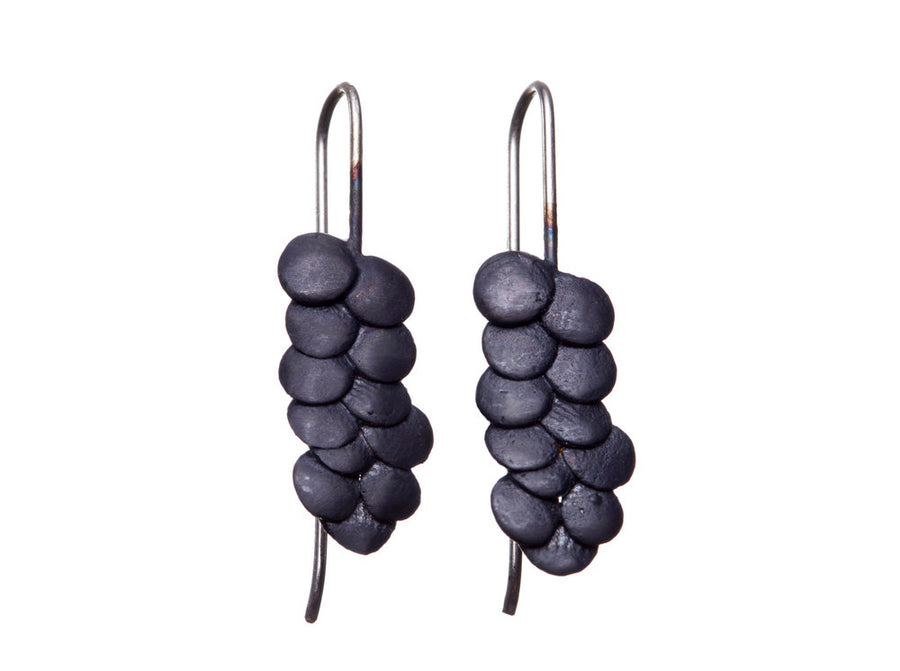 Pebble drop earrings // 334