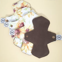 Load image into Gallery viewer, Set of 4 Reusable Panty Liners