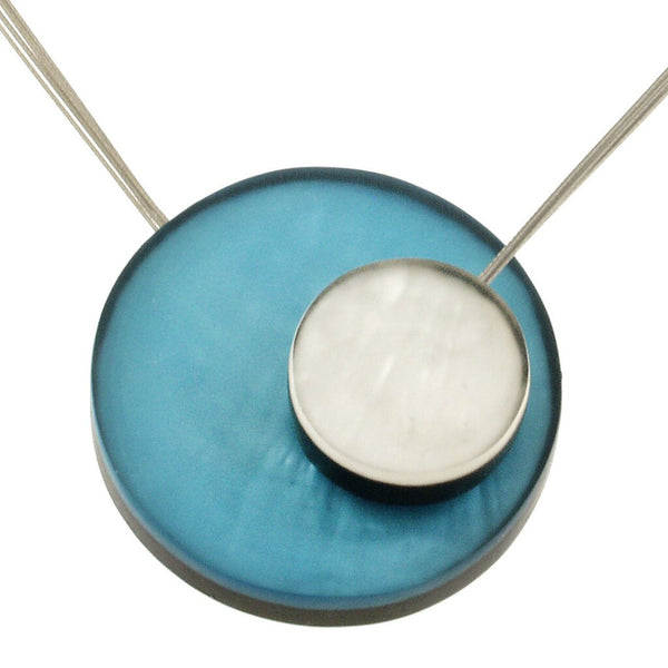 necklace steel wire colorful circles mother of pearl Indonesia scma smith college museum of art blue turquoise white